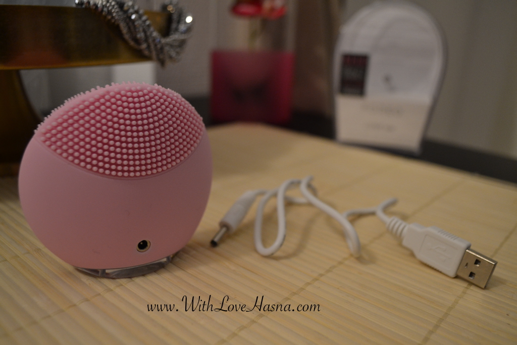 Love Your Skin _ BirchBOx _ edition limitee _ Foreo Luna Mini Chargeur USB